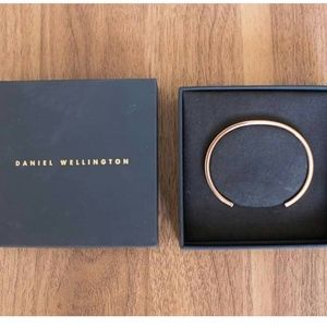 Daniel wellington cuff braclet